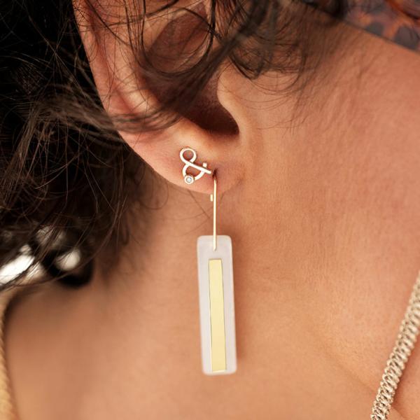 Boucles d'oreilles or pierre de lune blanche pierre naturelle boucles d'oreilles esperluette diamant pierre naturelle or jaune 18 carats recyclé