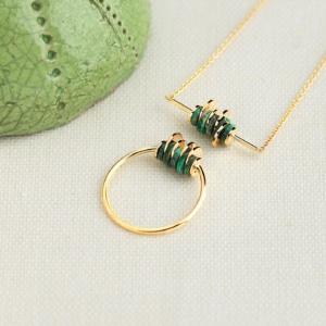 Collier et bague Sphère bois de frêne vert or jaune 18 carats recyclé mineral joaillerie éthique femme
