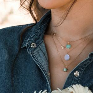 Médailles pendentifs galet amazonite calcédoine or jaune 18 carats recyclé Médaille pendentif Céleste amazonite pierre naturelle or rose mineral joaillerie éthique