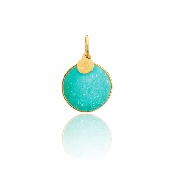 Médaille pendentif bar à médailles les précieuses Druzy calcédoine pierre naturelle or jaune 18 carats recyclé mineral joaillerie éthique femme